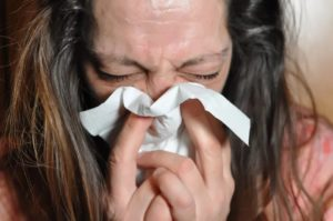 Cómo estornudar